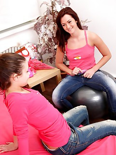 Hot Lesbians in jeans Sex